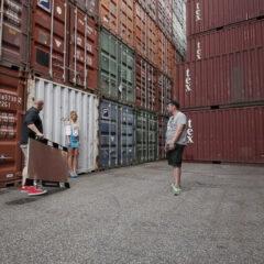 videotraining_roadtrip_1_11_tag_03_hamburug_container2_reflektor